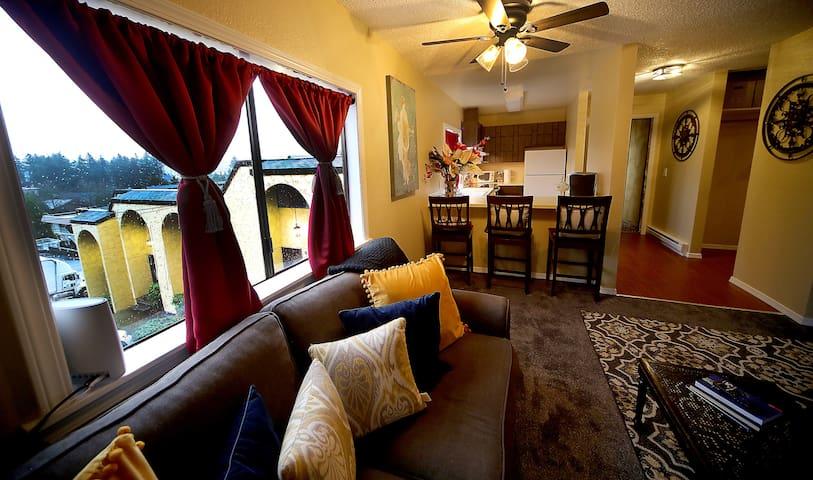 Redmond Terrace (2 Bedroom Apartment)