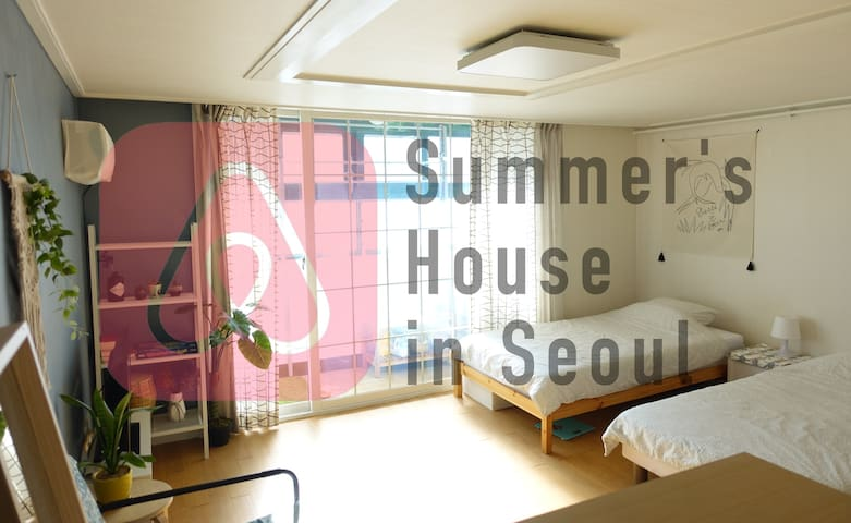 [CLEAN and SPACIOUS] 3min walk to Hongik Univ stn.