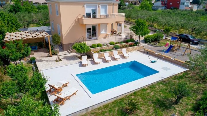 LUXURY VILLA CASTRUM with heated pool