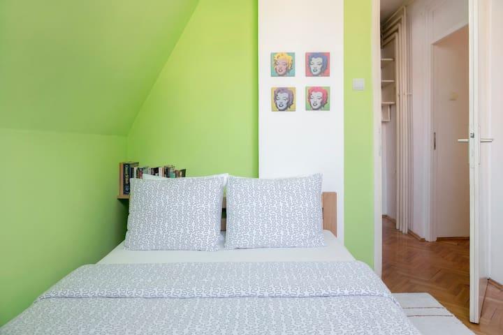 Hostel Home Sweet Home - Room F - Beograd - Appartamento
