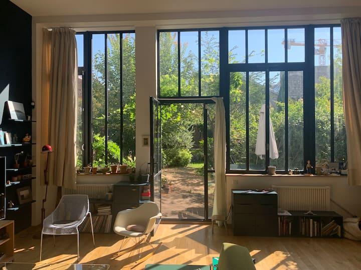 Loft 130 m2 avec jardin privé