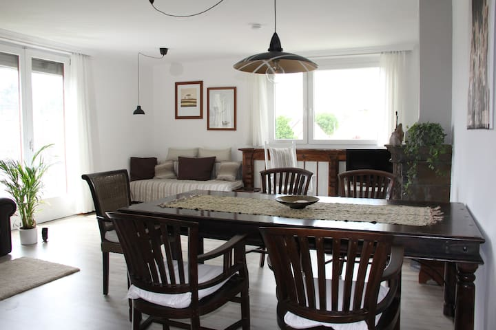 spacious & cozy 100m* apartment