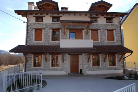 Sciasa Fornetha - San Floriano - Haus
