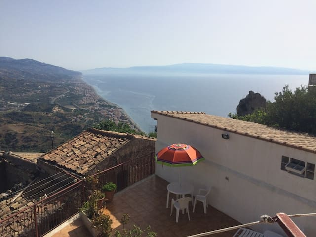 Fantastic view over Sicilian east cost! - Forza d'Agrò