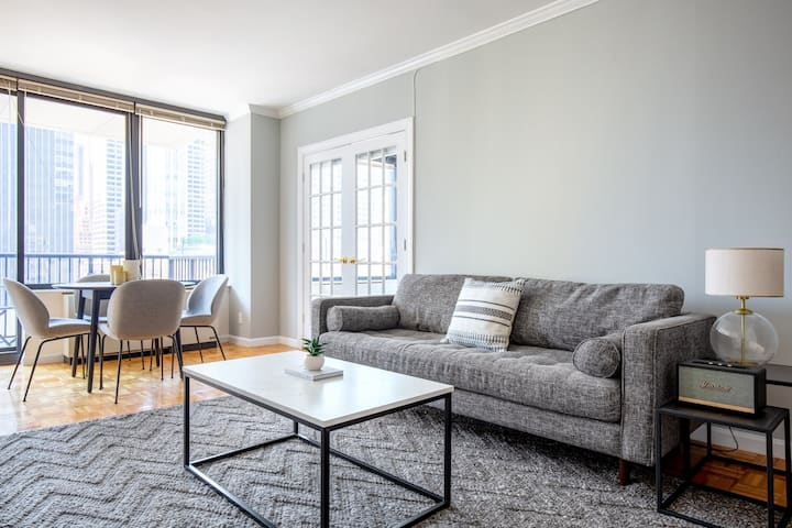 Bright Sutton Place 2BR w/ Pool, Gym, near Central Park, by Blueground