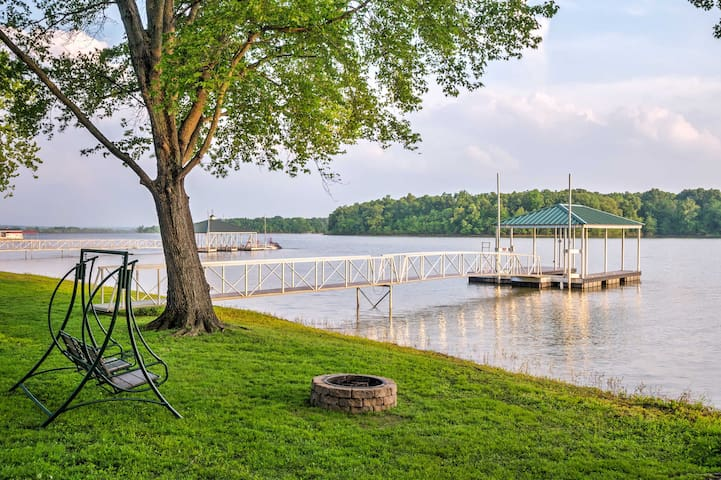 Wheelchair-Accessible Lakefront Cabin w/ Pvt Dock!