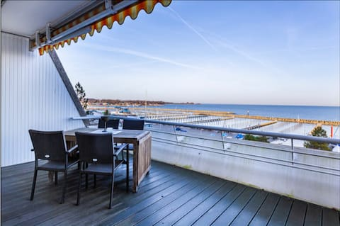 Panoramic views and the beach right outside the door