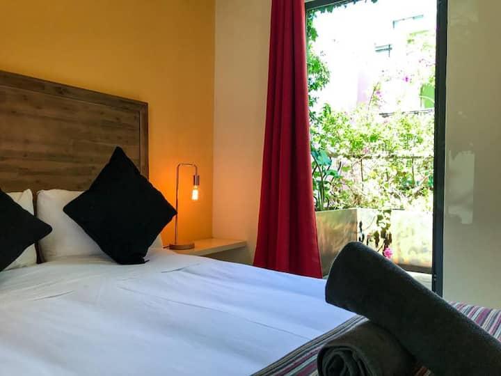 Sun room @La Rose Bed & Breakfast