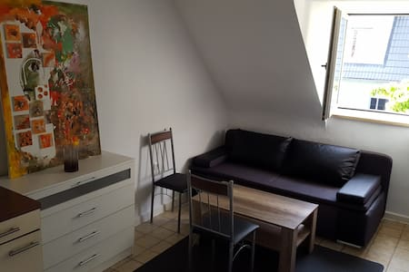Studio-apartment near fair, airport & city center!