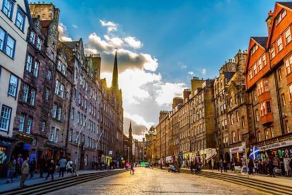 Edinburgh's famous Royal Mile, right on your doorstep!