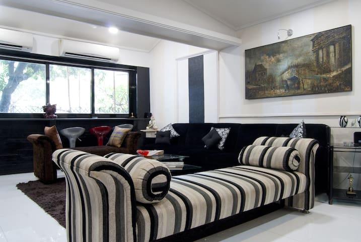 Modern Fully Furnished 2 Bed 2 Bath - Mumbai - Apartment