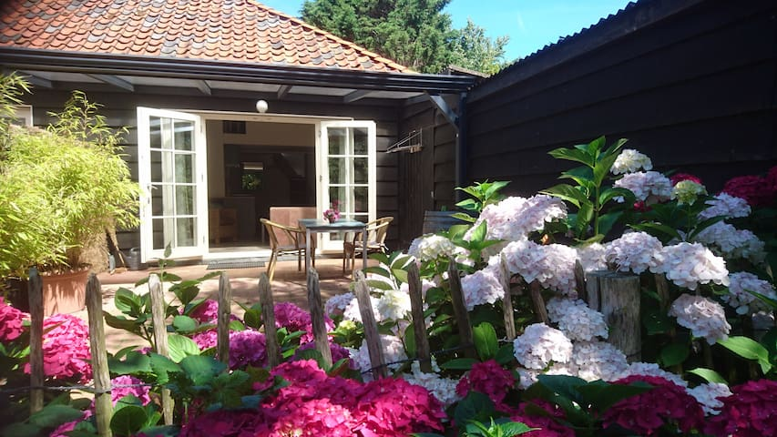 Studio Kroasje in Ouddorp, Tiny House experience!