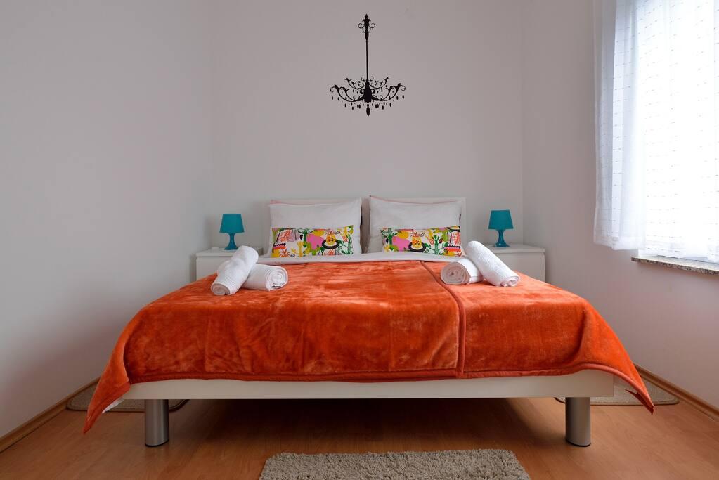 Bedroom;new bed 160x200cm