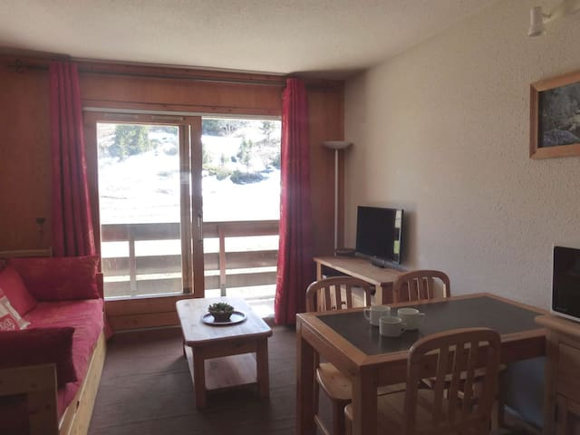 Studio for 4 persons in Meribel Mottaret in Le Hameau neighbourhood close to the slopes