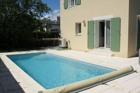 Villa w/ pool & independent studio