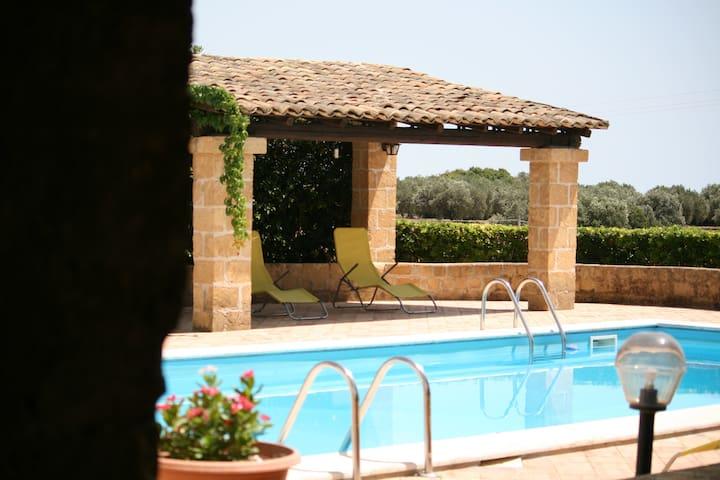 Villa Rustica con Piscina - Selinunte - วิลล่า