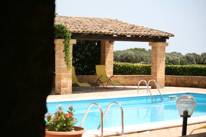 Villa Rustica con Piscina - Selinunte