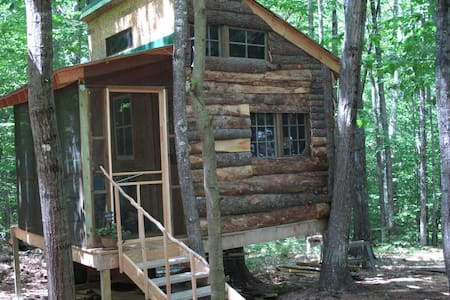 Tree House at the Shire - Conway