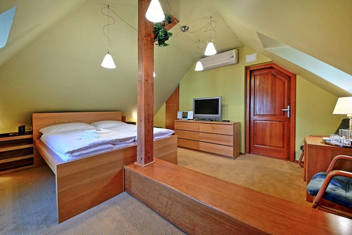 Tyn Attic Room