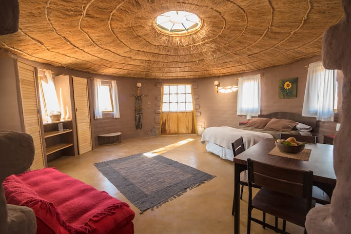 La Yakana - All yours adobe round house