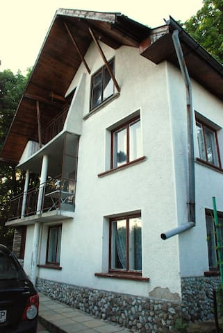 Bear's House - Vratsa - Huis