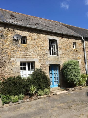 3 Double Bed cottage in Brittany