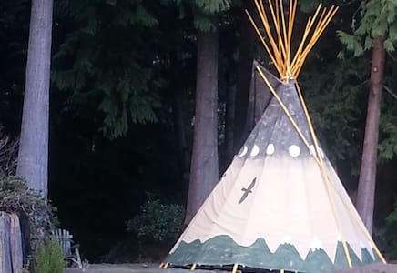 Relax in an authentic Tipi! - Bainbridge Island - Bed & Breakfast