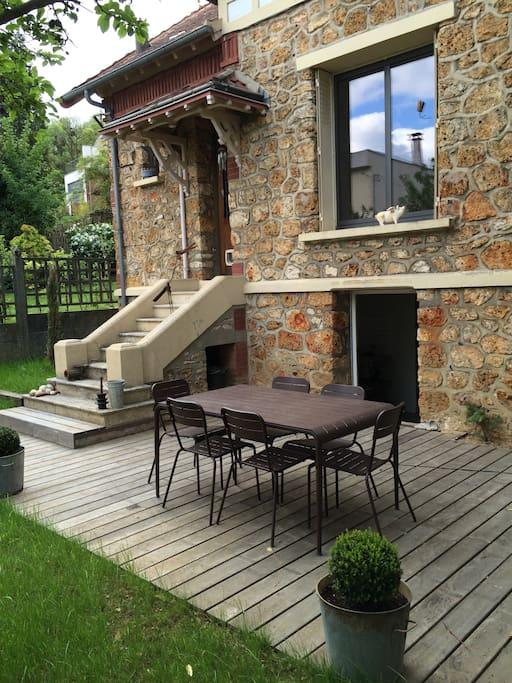 maison sympa palaiseau 20 min paris centre houses. Black Bedroom Furniture Sets. Home Design Ideas