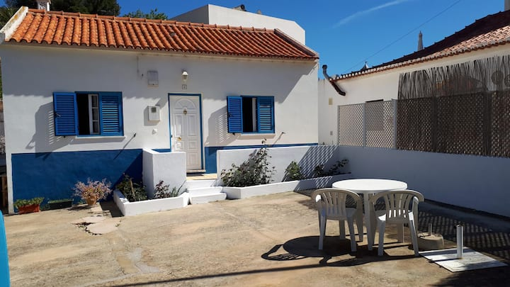 Charming Beach House in Salema with Wi-Fi; Street Parking Available