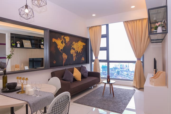 Stylish 1BR Suite Near Train Station KL CityCenter