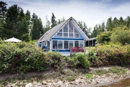 Blue Heron Beach House - Anderson Island