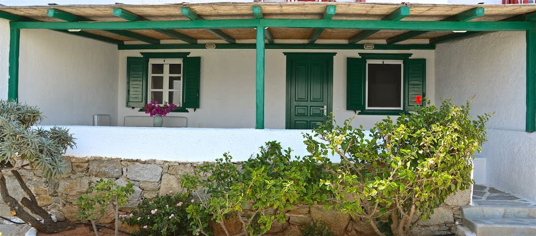 Charming house on private beach - Míkonos - บ้าน