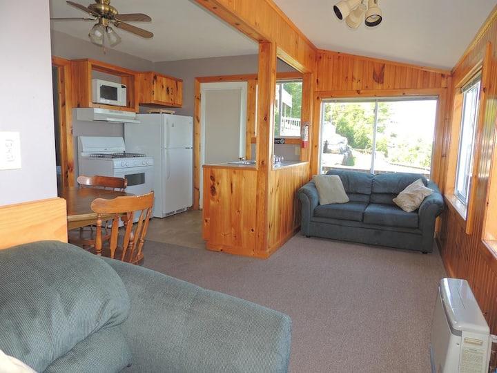 Quaint waterfront 3 bedroom/1 bath cottage (#1)