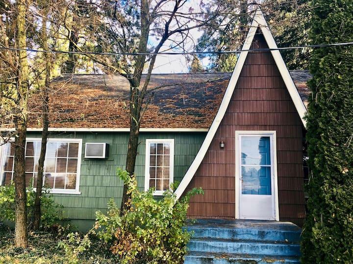 Tamarack House - 3BD, fireplace, patio