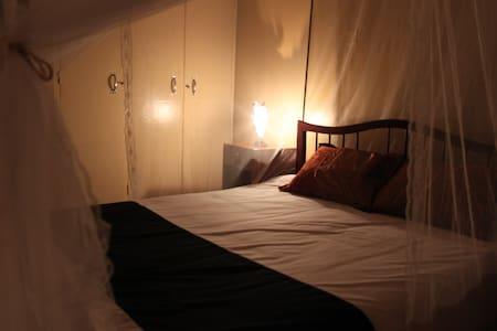 Serene Guesthouse - Entebbe - Bed & Breakfast