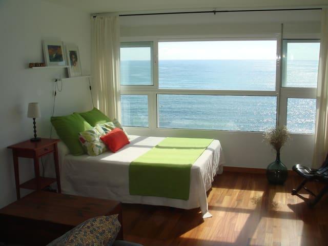 Loft verde sobre el mar. VT-458961-A