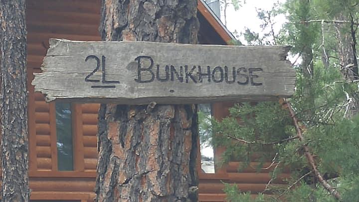2L Bar Bunkhouse