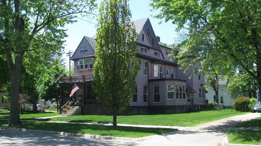 Historic Marchers House in Bay City, MI