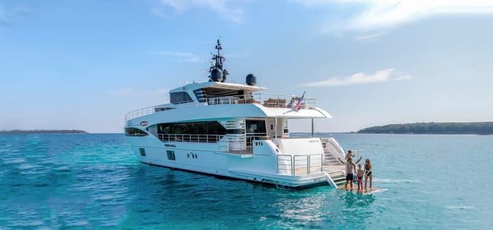 M/Y ONEWORLD - NSW's premier superyacht