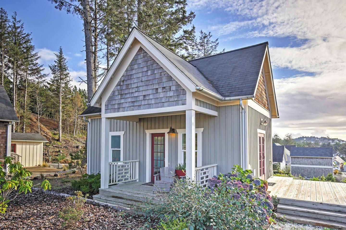 The lovely By-the-Wind Sailor is an adorable beach cottage in the Olivia Beach Camp Cabins complex. This is the smaller of the two listings; the other listing also includes an in-law suite.