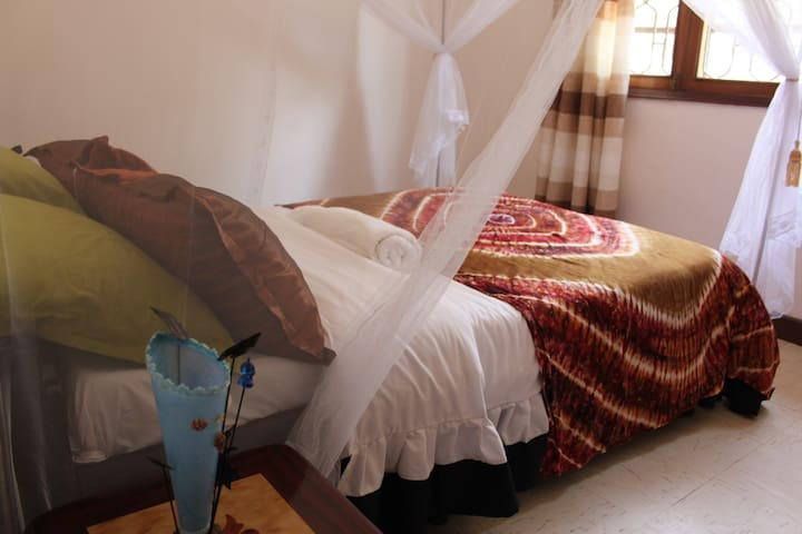 Single room - Entebbe - Bed & Breakfast