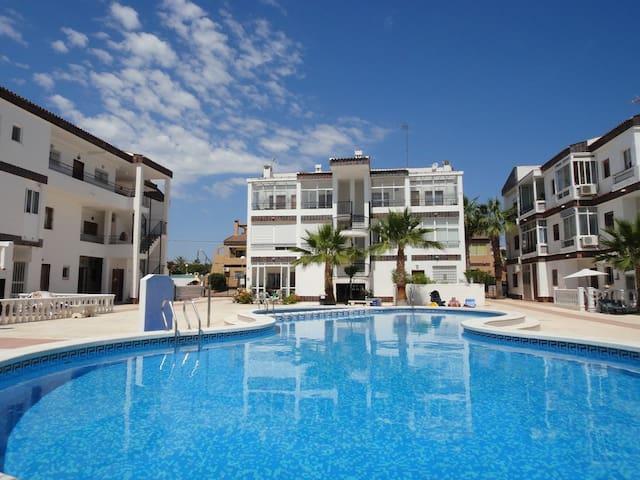 WI FI Cosy apartment 600m Punta Prima beach - Torrevieja - Leilighet