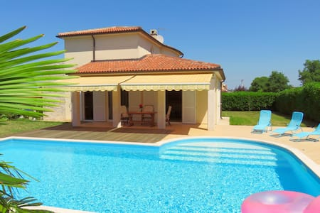 Villa Lavanda with private pool - Nova Vas - Villa