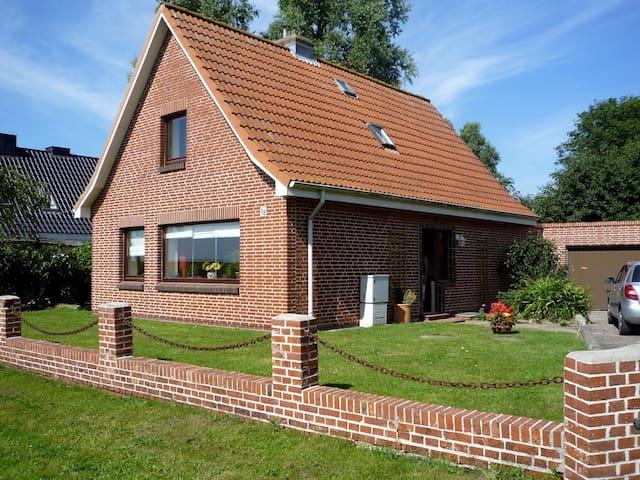 Ferienhaus, 8 Minuten zur Nordsee - Schülp - Casa