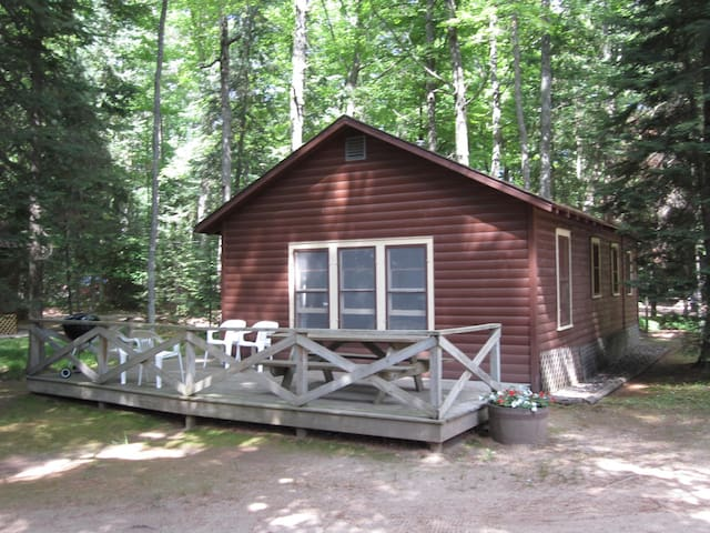Delightful Cabin near the Lake - Eagle River - Cabin