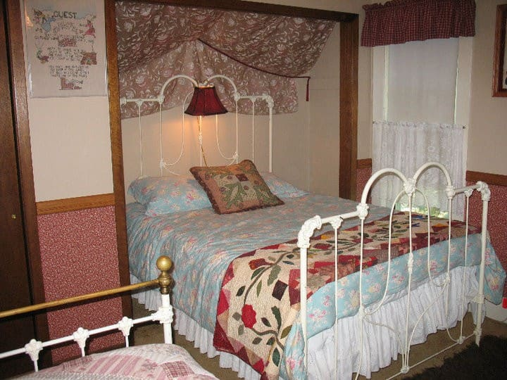 The Three Sisters' Room in cosy BnB
