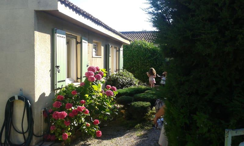 maison familial - Rognonas - House