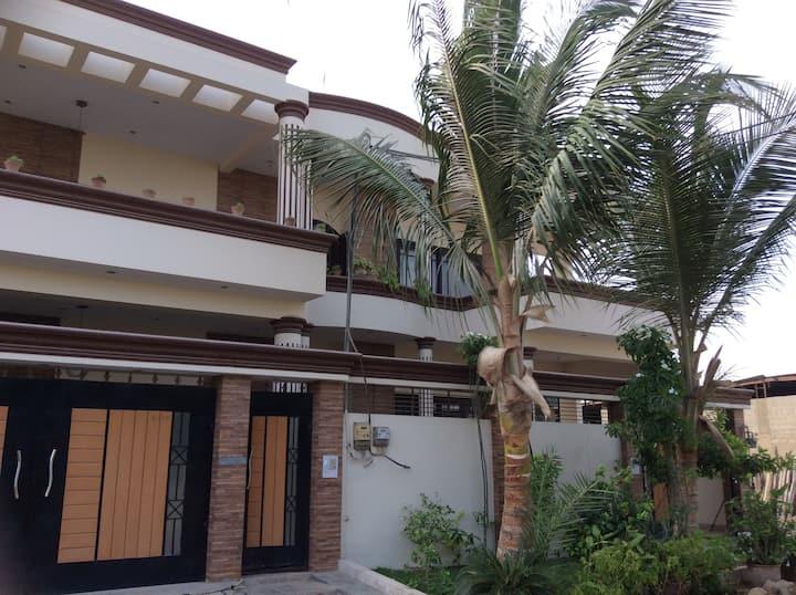 Second home (block 8 gulistan-e-johar)