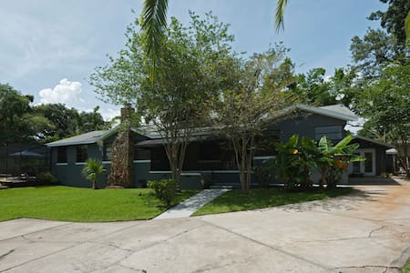 Private Riverfront Guest House at Isla de Dij - Tampa - Hus