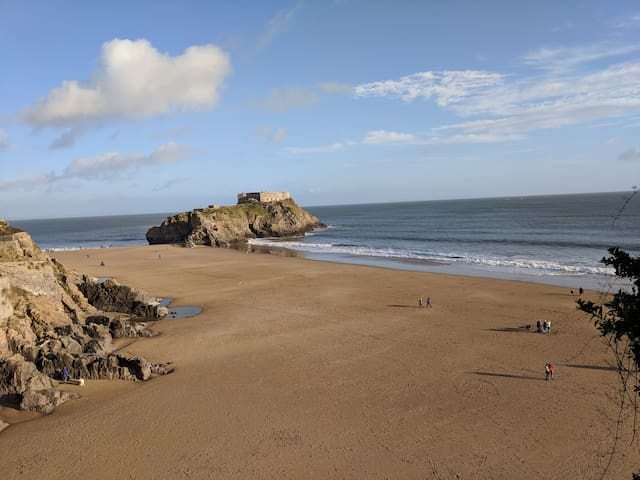 Beach front cottage with incredible views in Tenby